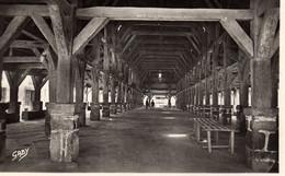 DPT 56 QUESTEMBERT Intérieur Des Halles - Questembert