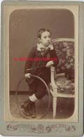 CDV Garçon Et Son Jouet Cerceau--photo Des Deux Bébés Coulon, Labaure Successeur à Paris - Anciennes (Av. 1900)