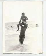 Man And Boy At Sea  K390-539 - Anonyme Personen