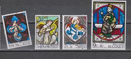 COB 1519 / 1522 Vitraux D'églises - Gebraucht