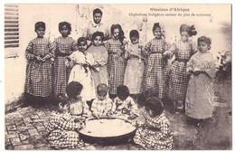 (Algérie) 036, Enfants, Birmandreis, Orphelins Indigènes Autour Du Plat De Couscous - Kinder