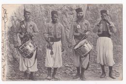 CPA N° 32. Clairons Et Tambours De Tirailleurs Algériens, Circulé En 1904 - Szenen